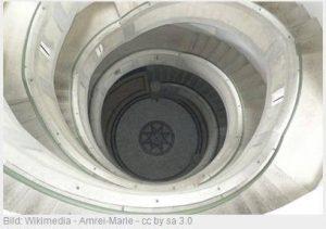ein rundes Treppenhaus von oben fotografiert, Bild: Wikimedia - Amrei-Marie - cc by sa 3.0